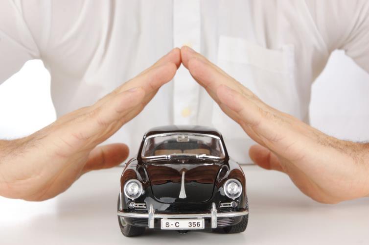 Не страхуют машины старше 10 лет по ОСАГО: правила страхования